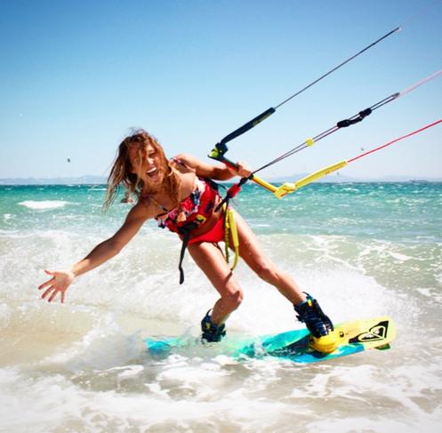 ANGELA PERAL kitesurfeuse compte instagram de rideuses à suivre