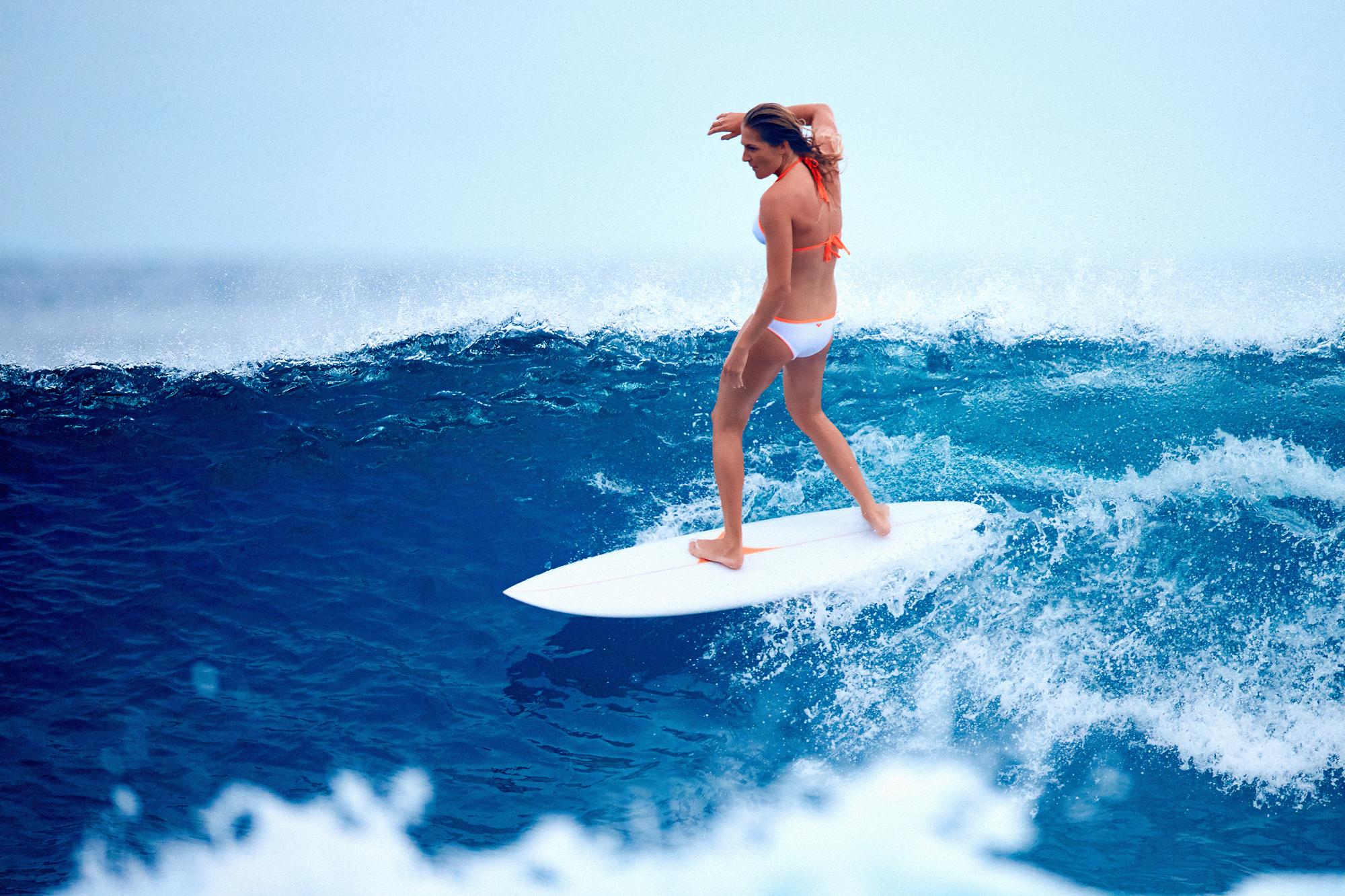 entrainement sportif de la surfeuse stephanie gilmore