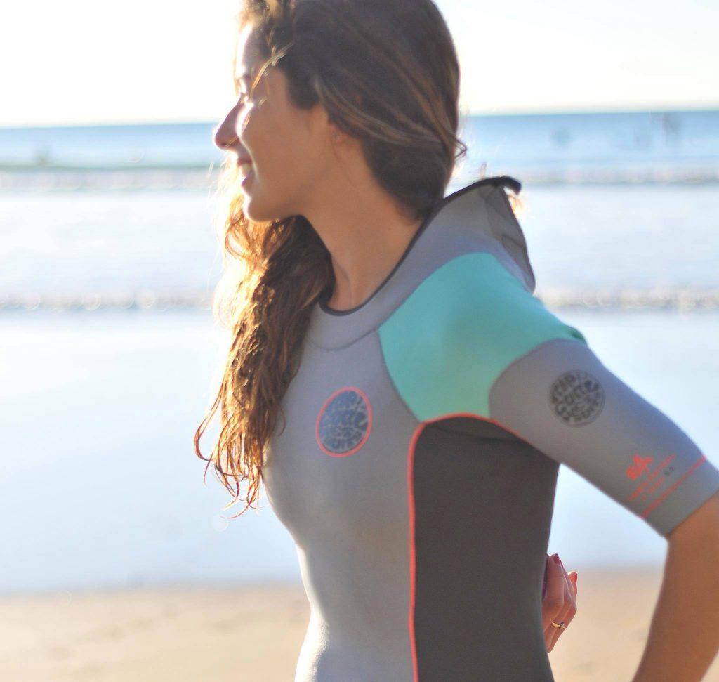 ripcurl-women-shorty-femme tenues pour les sports nautiques