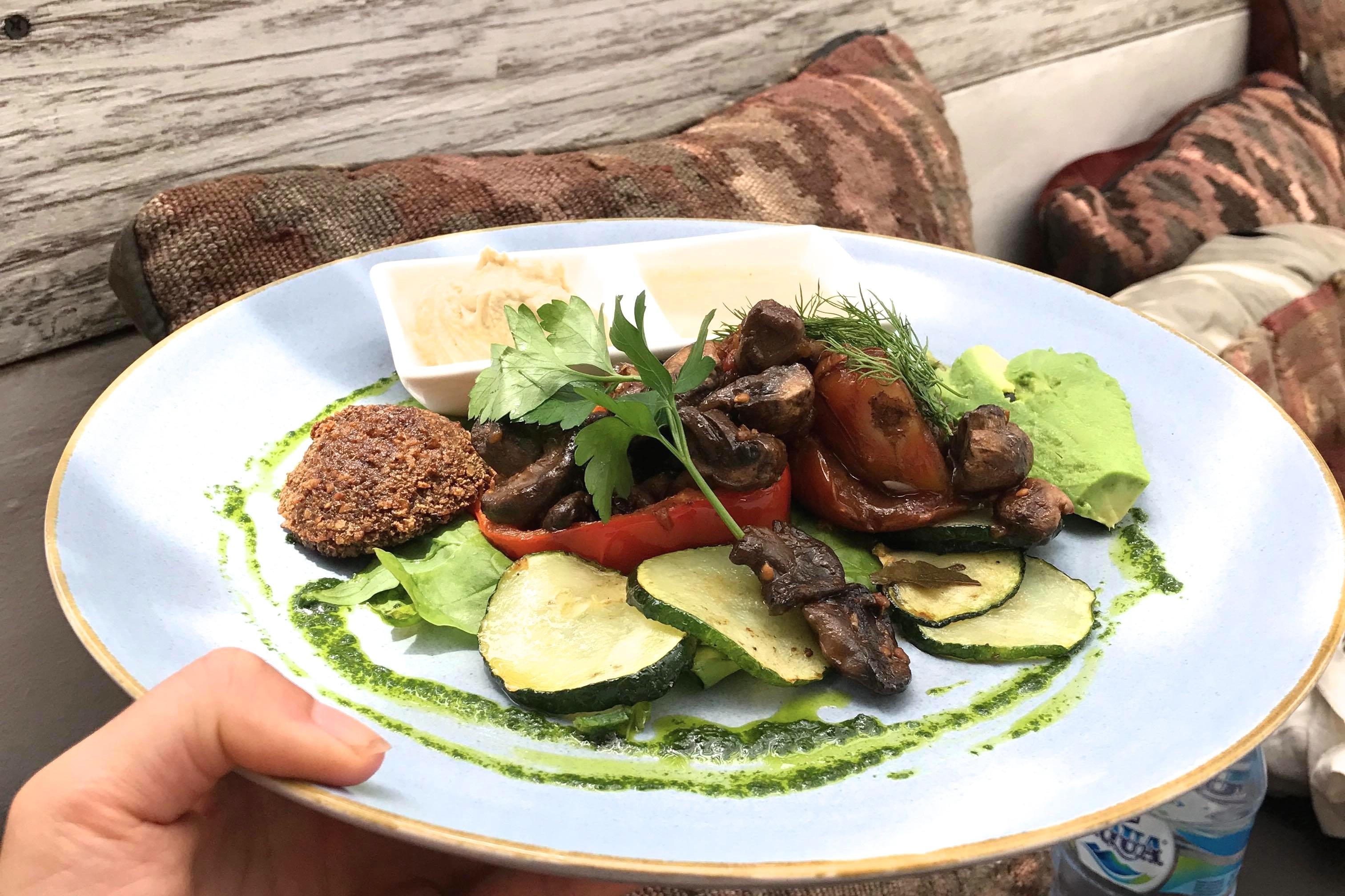 cafe organic falafel recette healthy bonne adresse healthy canggu bali