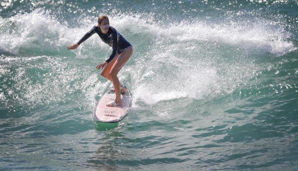 Dori Kty Dorothee tout quitter pour partir vivre dans le Sud Ouest a la rencontre du surf