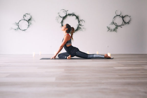 Yoga Vinyasa @ Holi Yoga