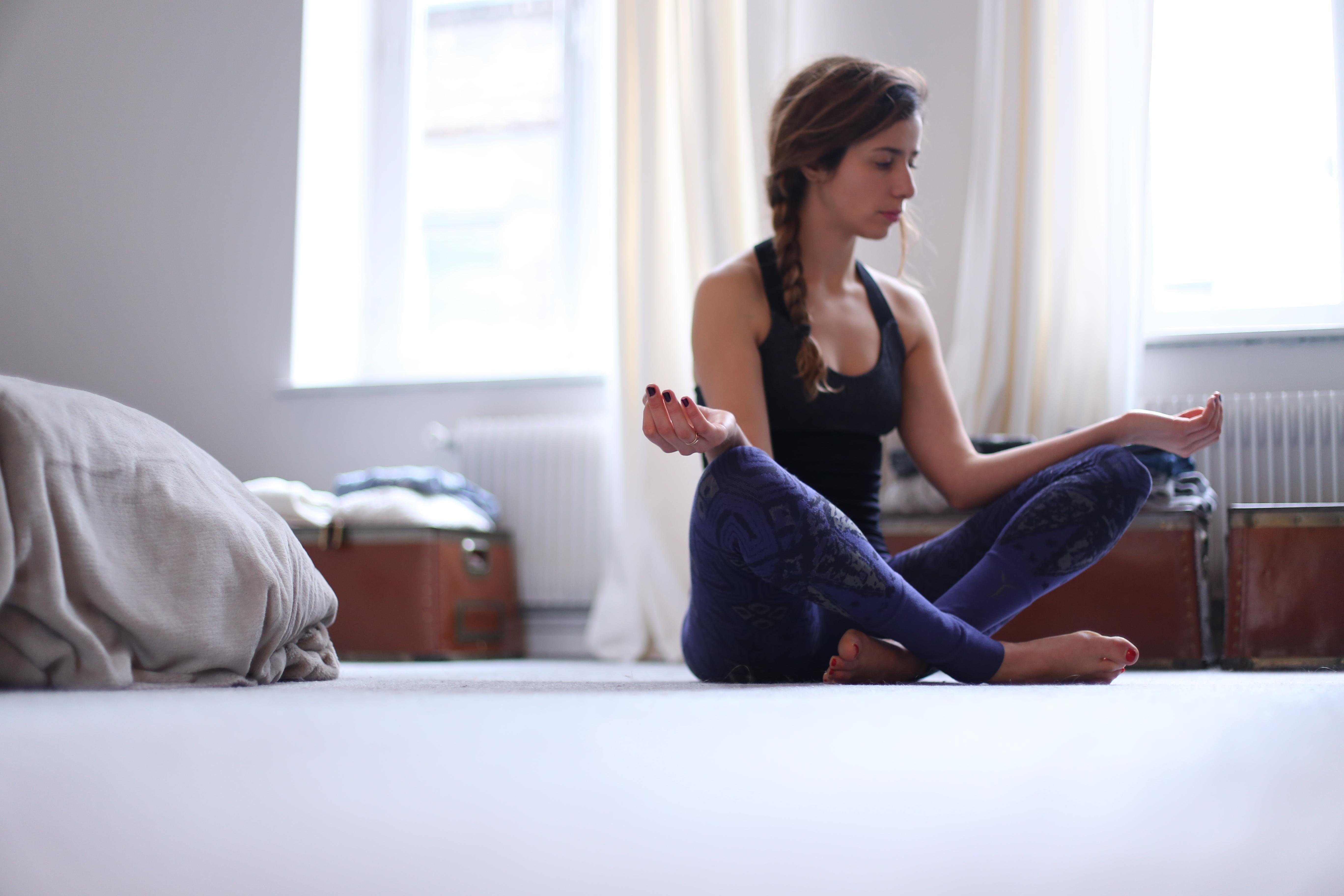 tenue de yoga avec yogasearcher