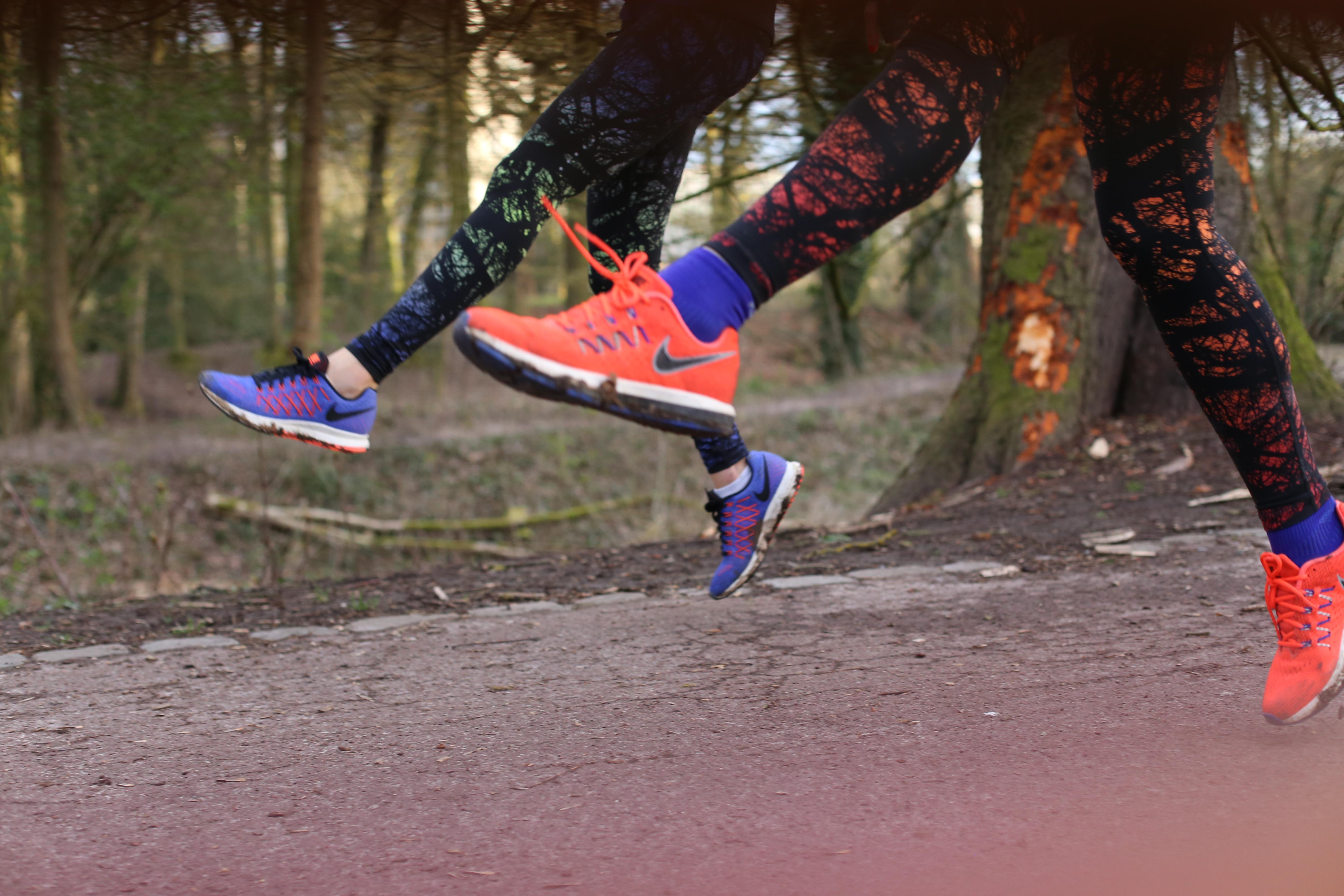 acheter populaire b434a 2986d Running Tenue Femme Nike Veste et Legging (20) - Santa Mila