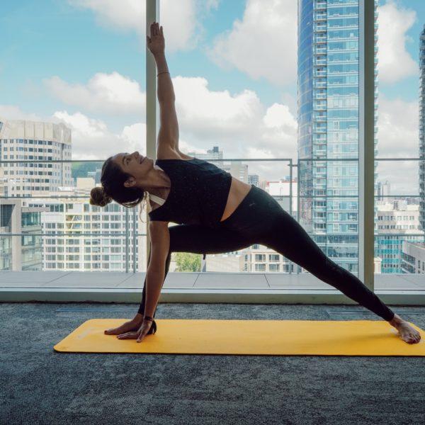 Cours de Yoga sur le rooftop du Monville